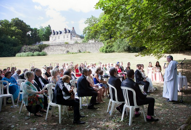 outdoor-wedding-ceremony-french-chateaux-destination-wedding