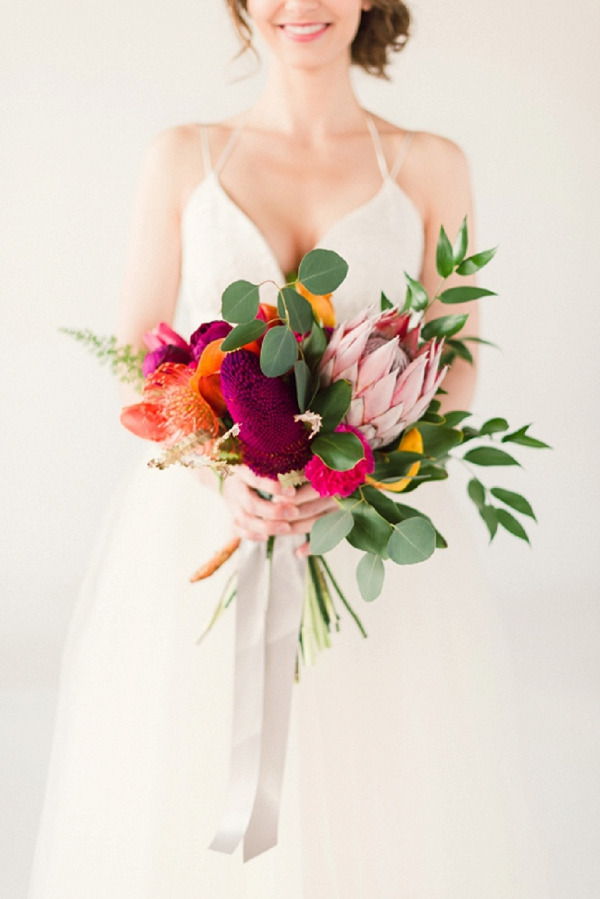 tropical-wedding-theme-bouquet