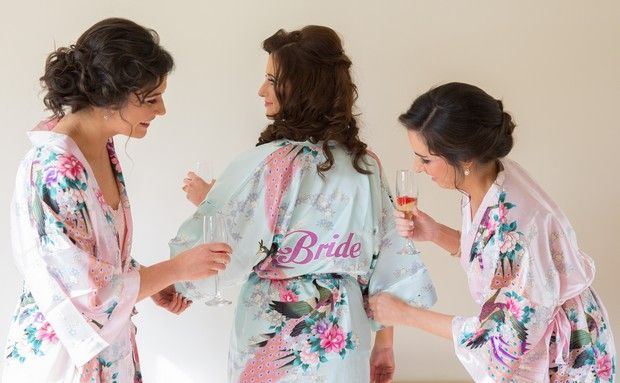 wedding-keepsakes-floral-bride-bridesmaid-robes