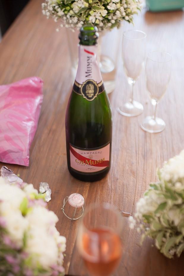 wedding-morning-champagne