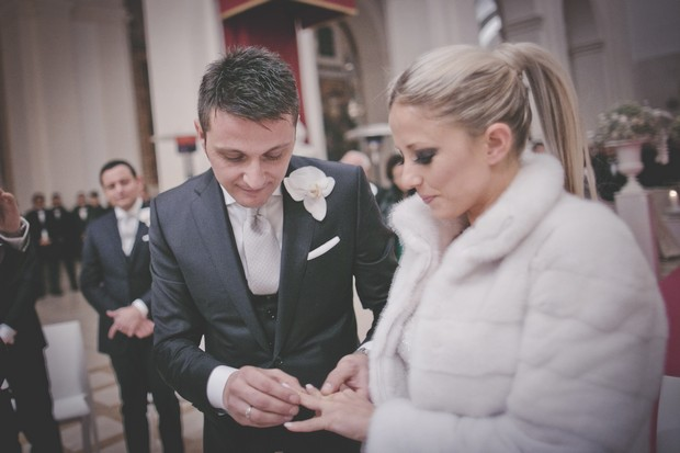 20-wedding-ring-exchange-ceremony