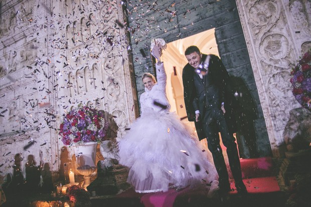 26-winter-wedding-photos-confetti