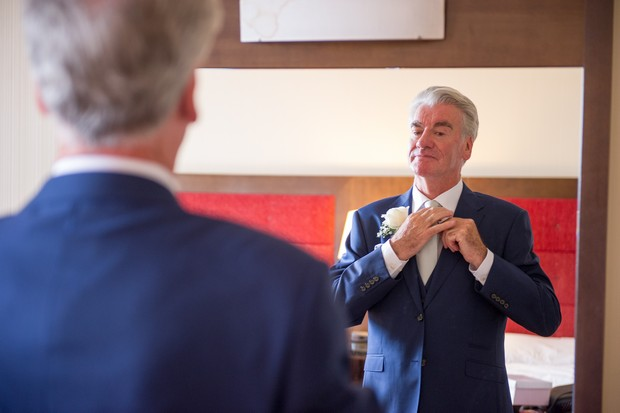 7-Stylish-Father-of-the-Bride-getting-ready-suit