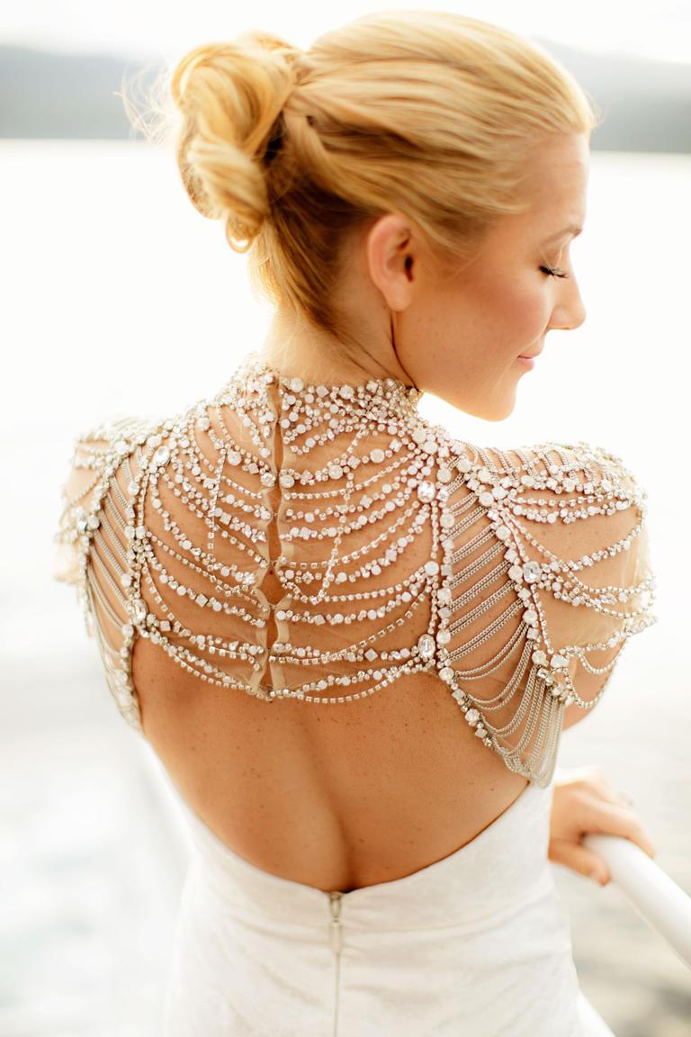 Detalles del vestido de boda digno de desmayarse-Hayley-Paige-Bolero-ChardFotografía