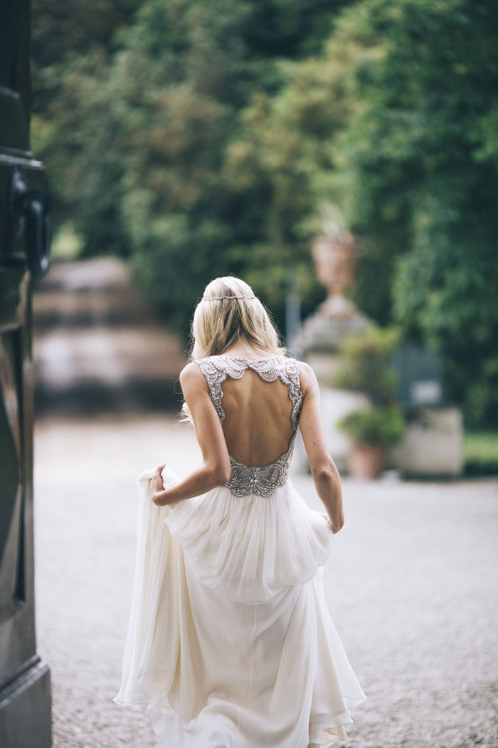 Detalles del vestido de boda digno de desmayarse-Jenny-Packham-Keyhole-Back-greylikesweddings