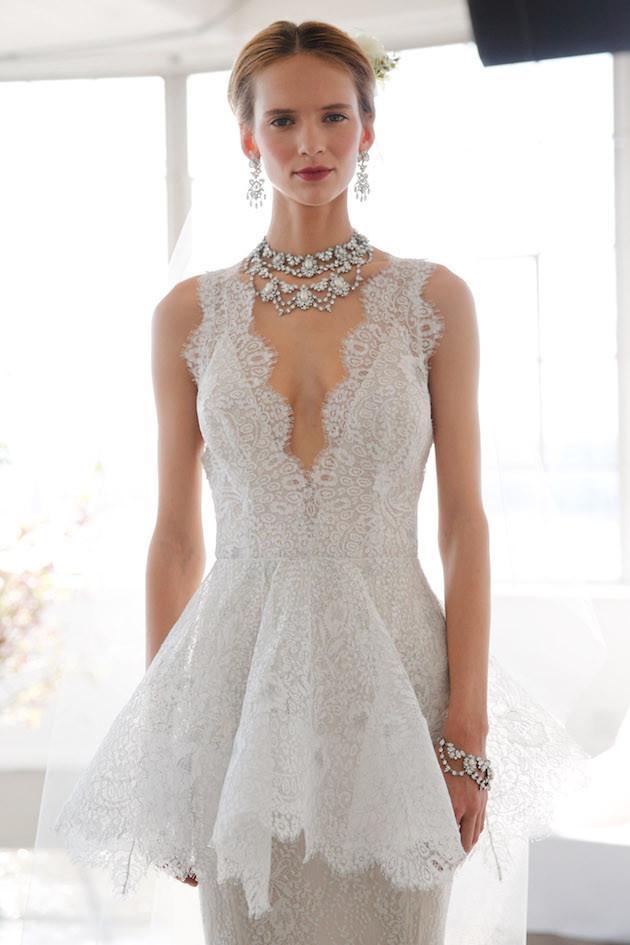 Vestido-de-boda-digno-desmayado-Detalles-Marchesa-2017-Peplum-weddbook