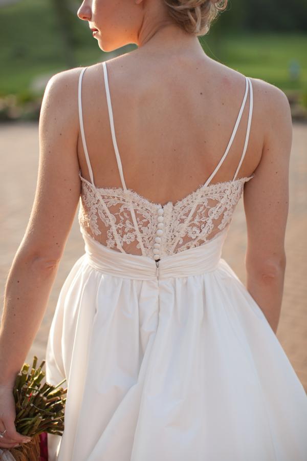 Swoon-Worthy-Wedding-Dress-Details-Modern-Trousseau-Sexy-Lace-Corset