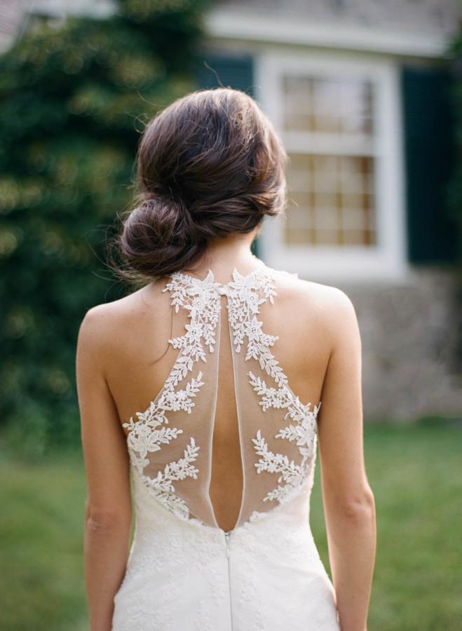 Vestido-de-boda-digno de desmayo-Detalles-Pronovias-Halter-Sheer-Back
