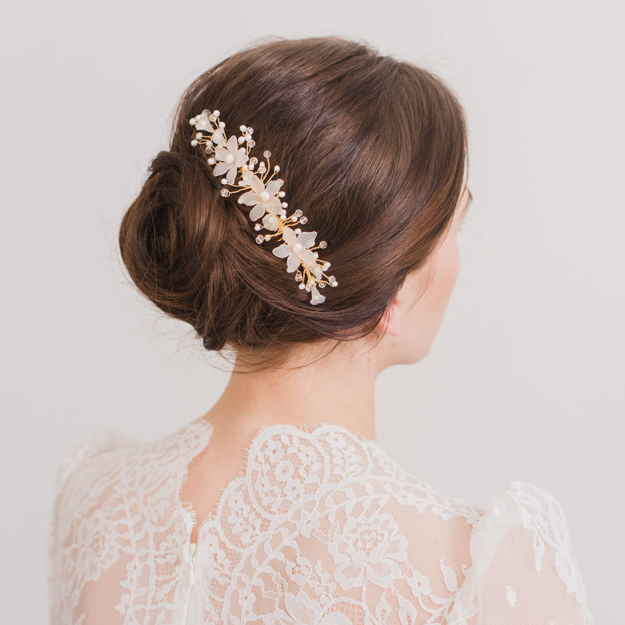 26 subtle but stunning wedding hair combs | weddingsonline