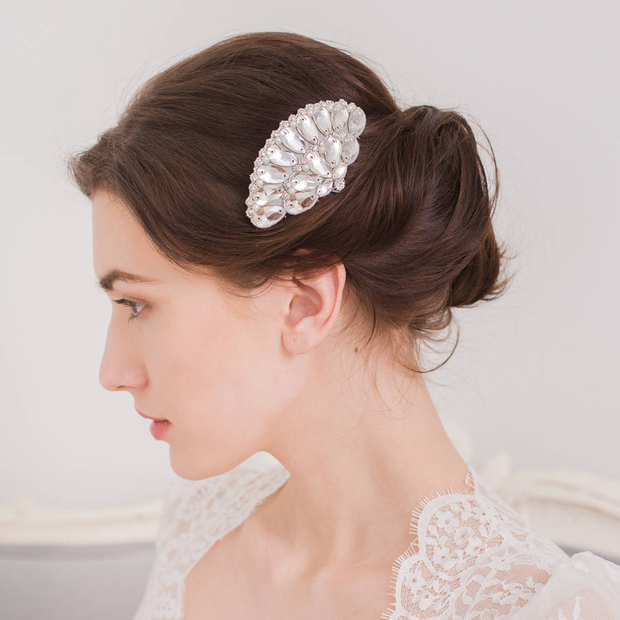 original_1920s-wedding-haircomb-britten-weddings-noths