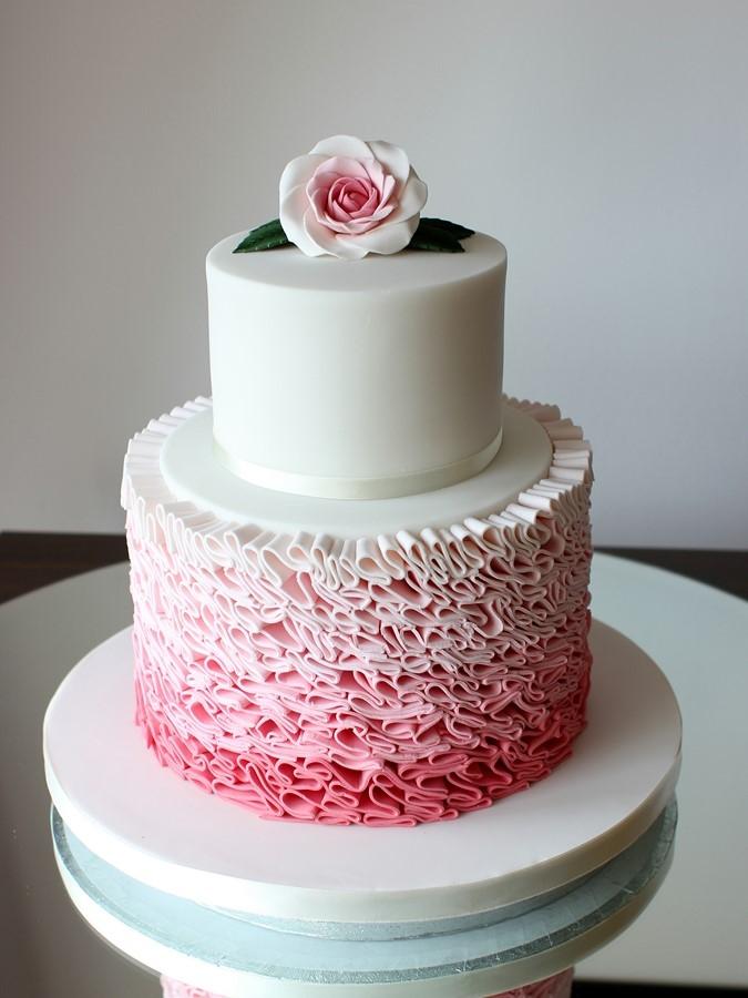 romantic-ruffle-wedding-cakes