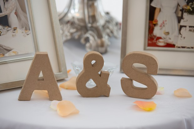 romantic-touches-for-your-wedding-decor-initials
