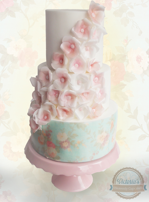 wedding-cake-victoria's-cupcakes-flower-wedding-cake
