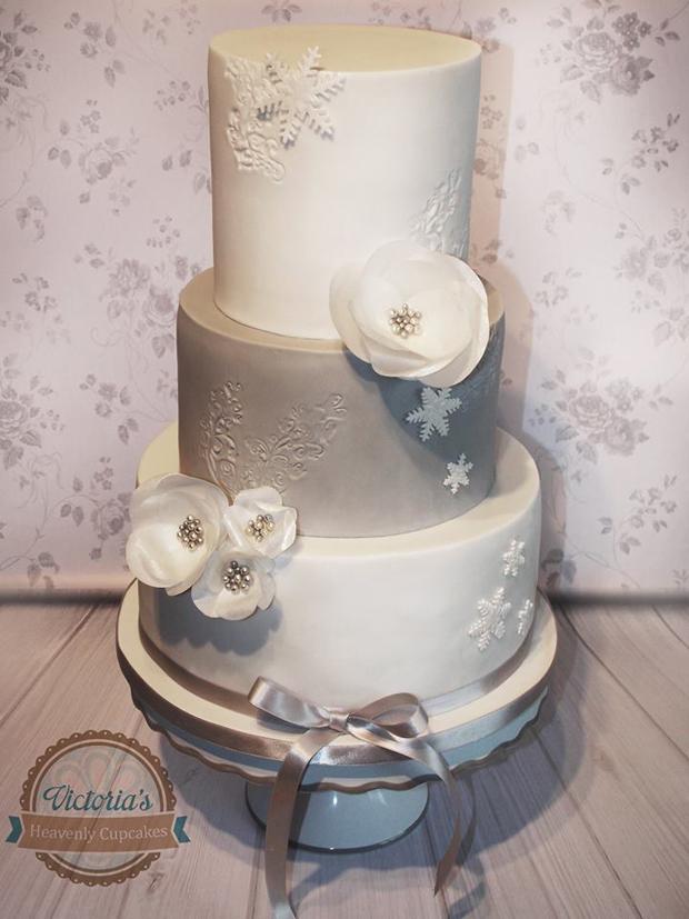 winter-wonderland-wedding-cake-victoria's-heavenly-cupcakes
