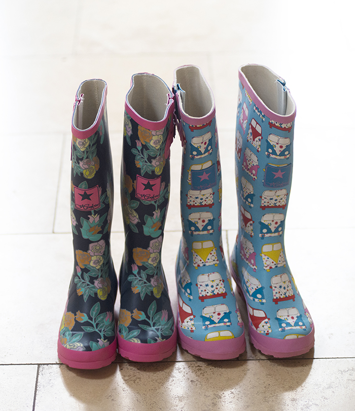 5-Fun-Wedding-Ideas-Wellies-Alternative-Shoes-weddingsonline