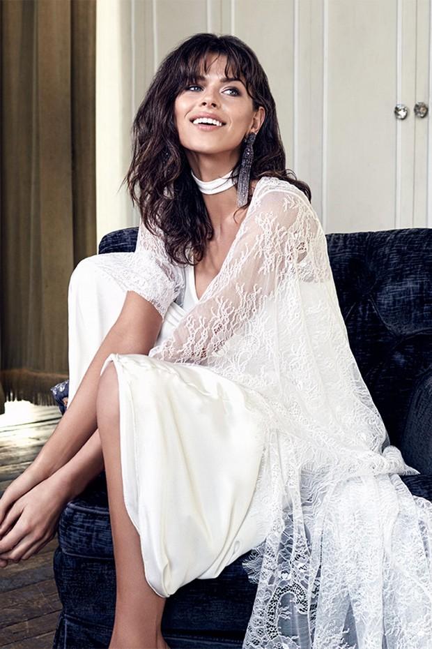 Grace-Loves-Lace-Blanc-Collection-Roberta-Full-length-Cape-2-weddingsonline