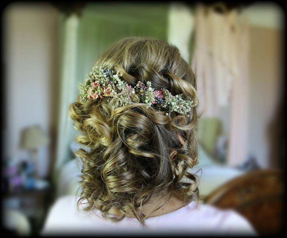 Vow2Wow-Wedding-Hair-style-summer-romantic