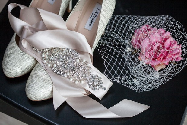 anglers-rest-real-wedding-julie-photo-art-bridal-accessories