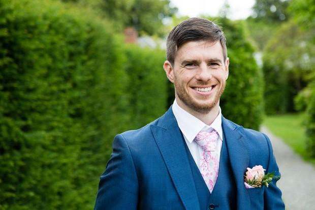 anglers-rest-real-wedding-julie-photo-art-groom-innavy-blue-suit