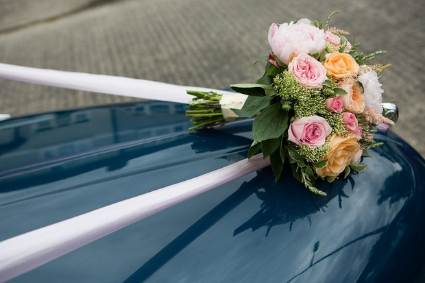 anglers-rest-real-wedding-julie-photo-art-wedding-bouquet