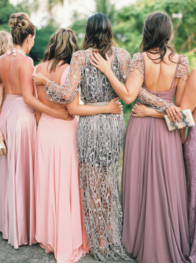 bridesmaid-mix-match-maid-of-honour-stands-out
