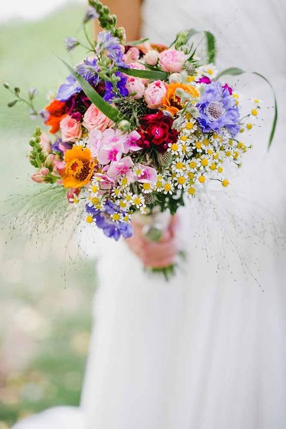 colourful-wildflower-wedding-bouquet-summer-daisies