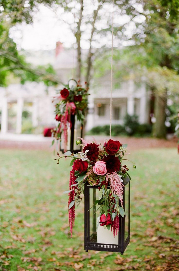 Lanterns in your wedding for Wedding flower decoration