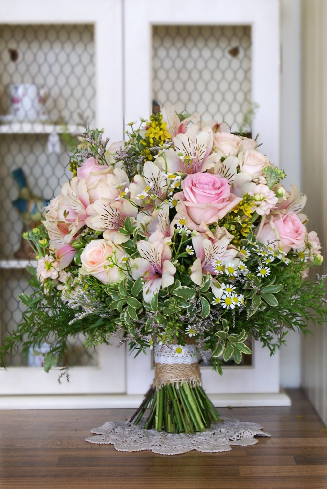 loose-summer-wedding-bouquet-bloomsday