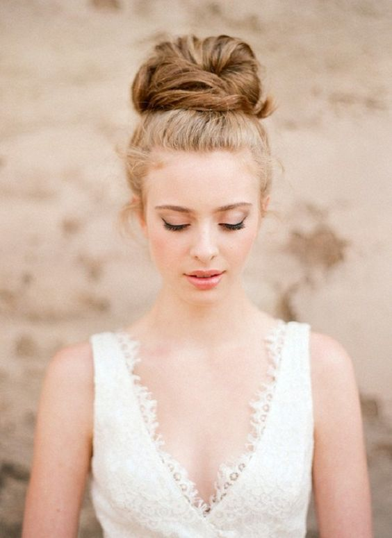 soft-bridal-ballerina-bun-modern-summer-wedding-hair