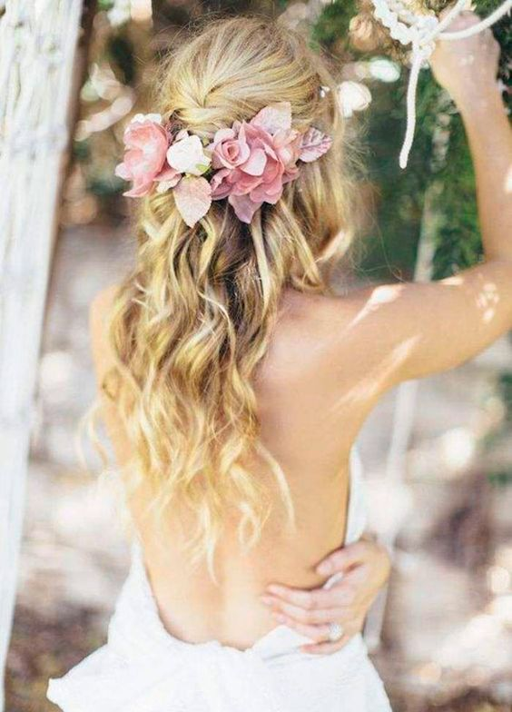 soft-romantic-wedding-hair-style-down-waves-fresh-flowers