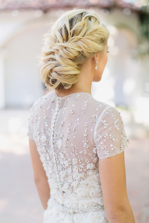soft-vintage-style-wedding-hair-summer-blonde