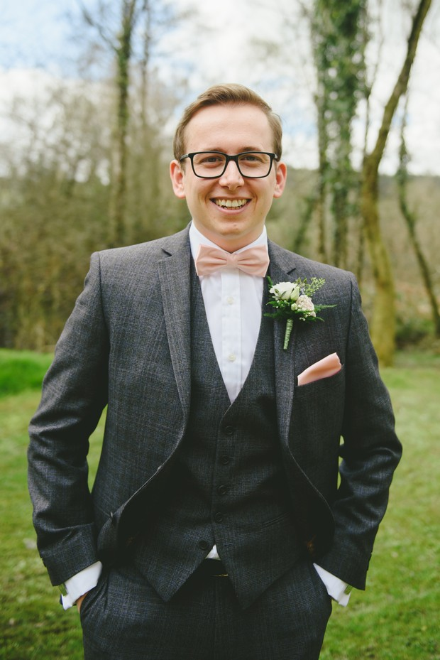 14-Stylish-dapper-groom-three-piece-suit-Emma-Russell-Photography-weddingsonline