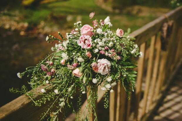 16-Brooklodge-Wedding-flowers-Emma-Russell-Photography-weddingsonline