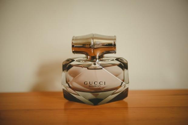 2-Wedding-perfume-Gucci-Emma-Russell-Photography