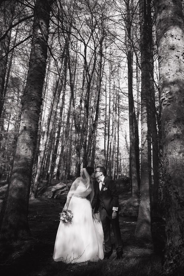 38-Wood-wedding-forest-photography-Emma-Russell-weddingsonline