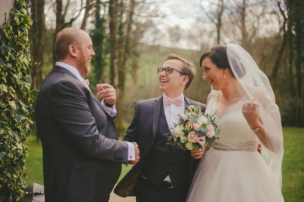 40-wedding-guests-blowing-bubbles-Emma-Russell-Photography-weddingsonline (2)