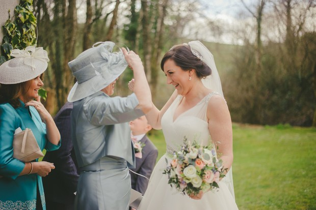40-wedding-guests-blowing-bubbles-Emma-Russell-Photography-weddingsonline (3)
