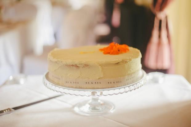 41-Single-layer-wedding-cheese-cake-Emma-Russell-Photography-weddingsonline
