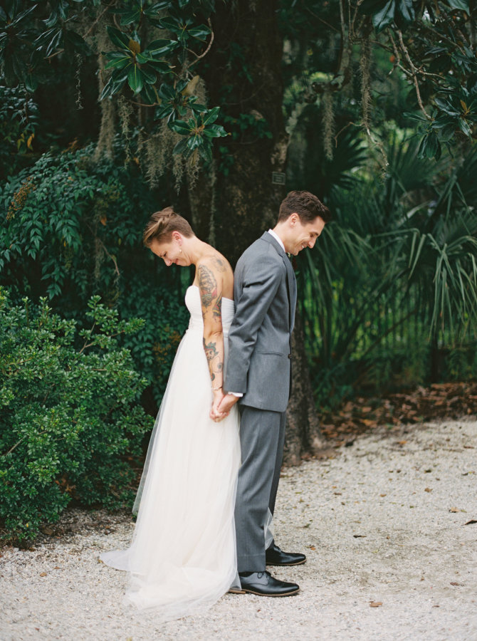 back-to-back-first-look-photo-wedding-kyle-john