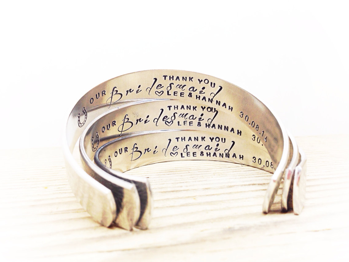 bridesmaid-gift-bangle-bracelet-personalised-weddingsonline
