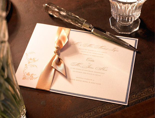 classic-bow-detail-wedding-invitation-diner-details