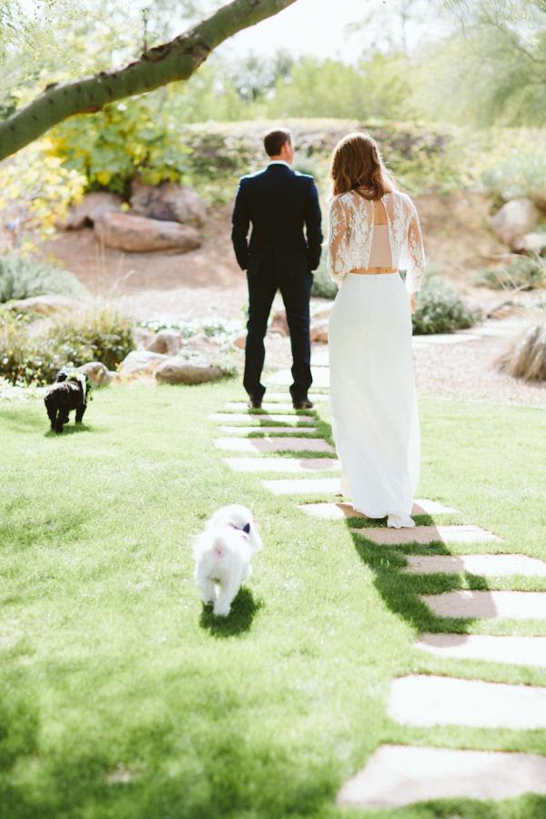 first-look-photo-wedding-ideas-paige-jones