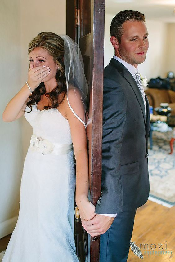 27 First Look Wedding Photos That Ll Give You All The Feels Weddingsonline