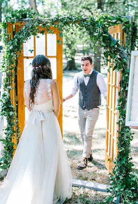 surprise-first-look-wedding-photo-brides-maria-lamb