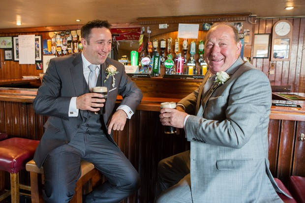 13-traditional-irish-pub-wedding-groom-pint-weddingsonline