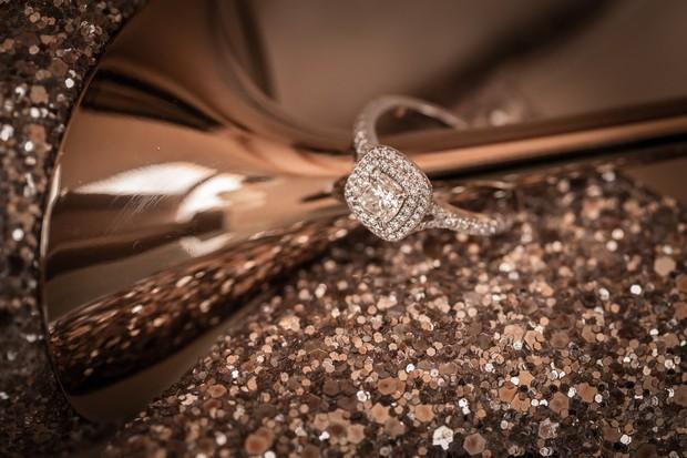 3-Classic-solitaire-engagement-ring-photo-Paul-Schillings-weddingsonline