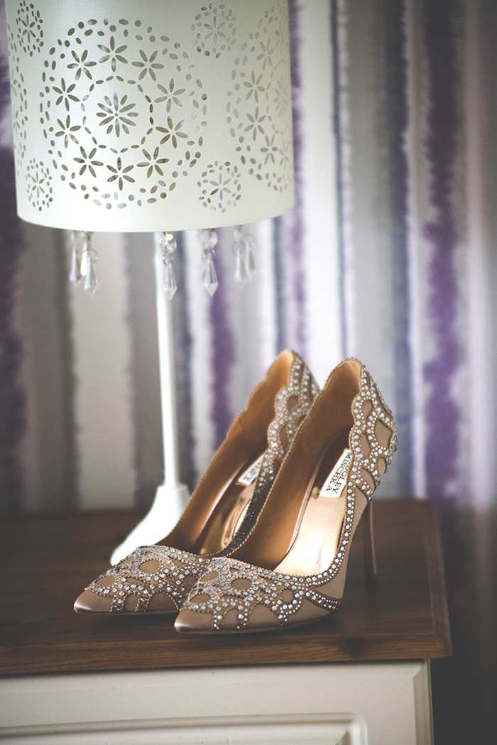 5-Badgley-Mischka-Gold-Pumps-Wedding-Shoes-Ireland