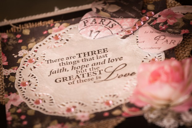 5-Sentimental-Wedding-Gift-Sign-Couple-weddingsonline