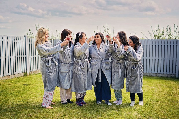 8-bridesmaids-getting-ready-comfy-robes-weddingsonline