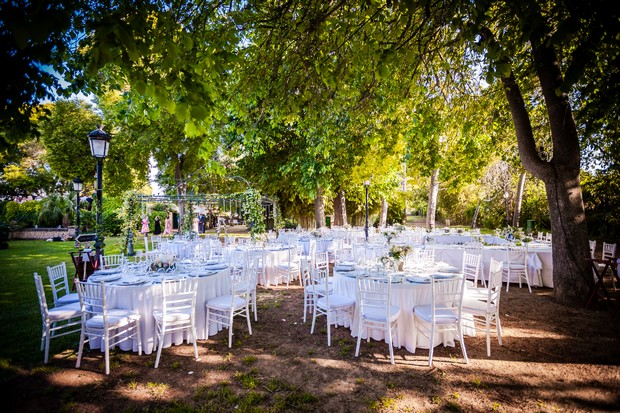 Real-Wedding-Casa-Sontanja-Alicante-Destination-Outdoor-tables-weddingsonline